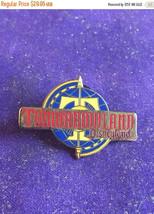 ON SALE 1998 Disneyland Tomorrowland Logo Attraction Series Pin Rare DLR - $25.46