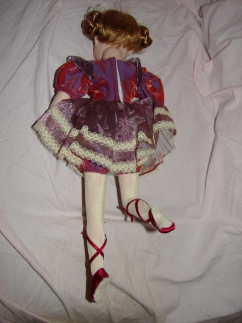 Geppeddo Porcelain Ballerina Doll