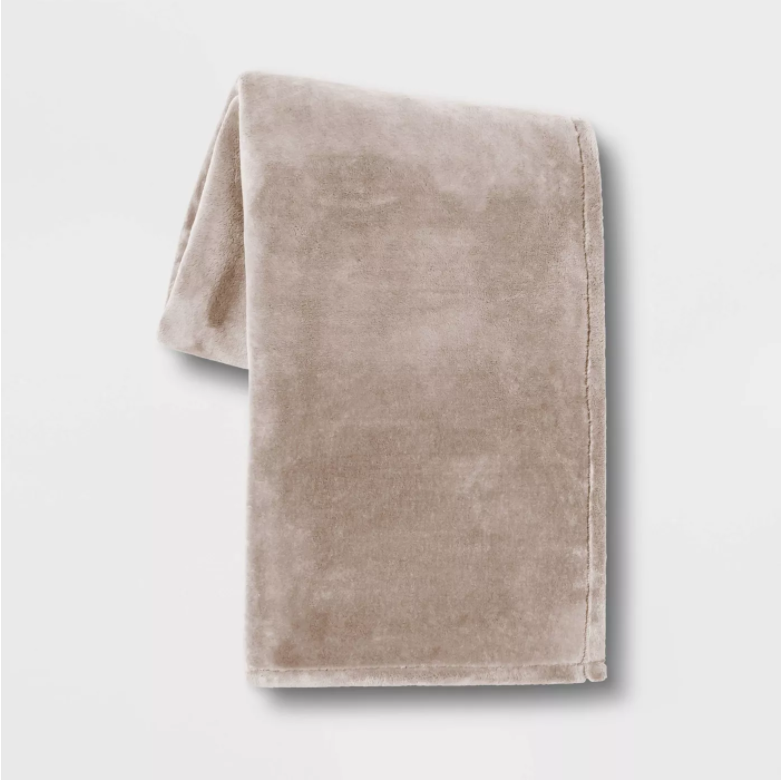 """Threshold 50""""x70"""" Oversized Primalush Throw Blanket, Neutral (New Without Tags) - $26.99"""