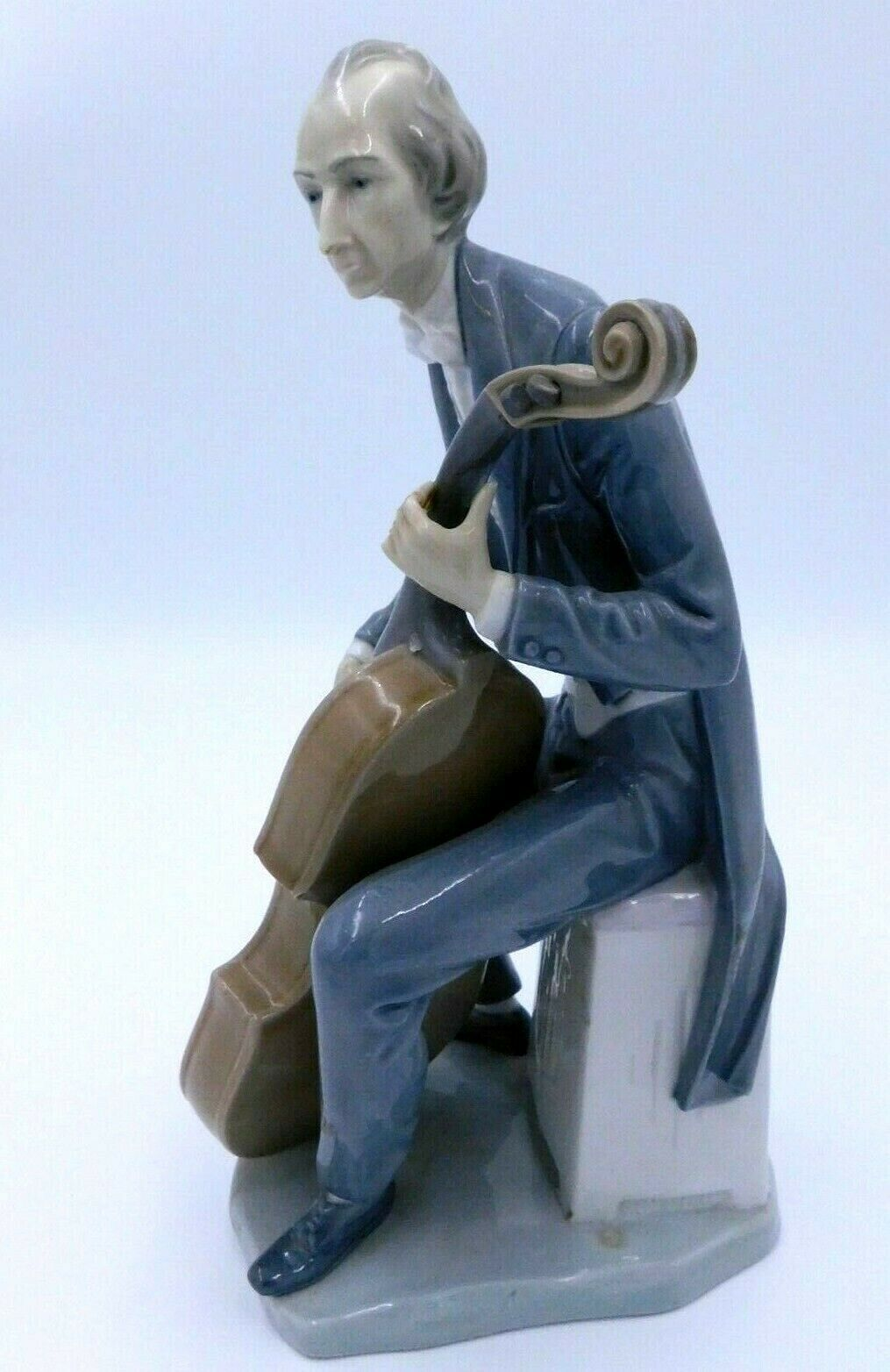 "Primary image for Lladro Porcelain Cellist #4651 Musical Figurine Statue 12"" Signed Break"