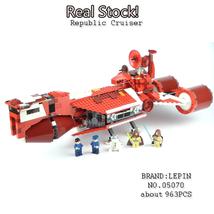 Republic Cruiser STAR WARS EPISODE I Starwars Comic Classic Building - $154.07