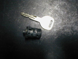 1992-1996 Honda Prelude Key And Door Lock Cylinder Fits Drivers Side - $18.81