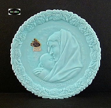 Fenton Blue Satin 1971 Mothers Day Plate Mib No. 1