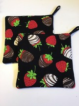 Set of 2 handmade quilted pot Holders Chocolate Dipped Strawberries - €9,92 EUR