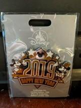 DISNEY JUMBO PIN 2019 HAPPY NEW YEAR MICKEY MINNIE LIMITED EDITION 1200 ... - $48.49