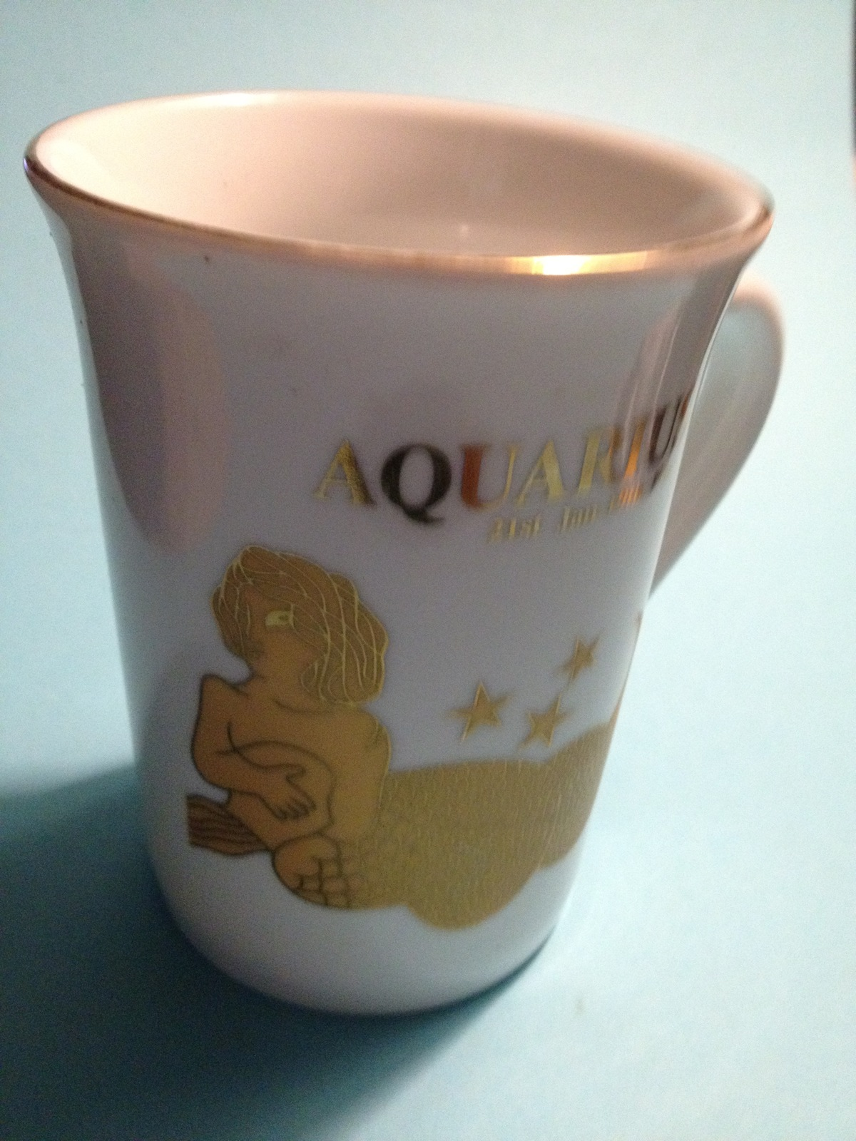 AQUARIUS Zodiac Vintage 24K Gilt Gold Porcelain MUG - Jan 21 to Feb 19