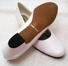 Easy Street Womens Closed Toe Classic Pumps, White, Size 10N image 3