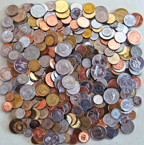 Primary image for 500 DIFFERENT coins from 150 countries,85% uncirculated
