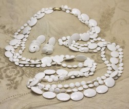 Vintage White Mod 60s Plastic Bead Necklace Strand Earrings Demi Set cir... - $24.73