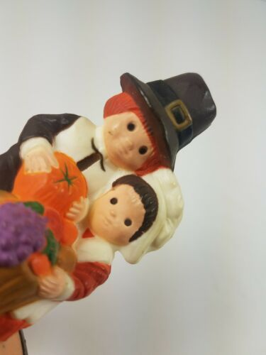 Hallmark Thanksgiving Pilgrims Couple Kneeling Give Thanks Merry Miniature  image 2