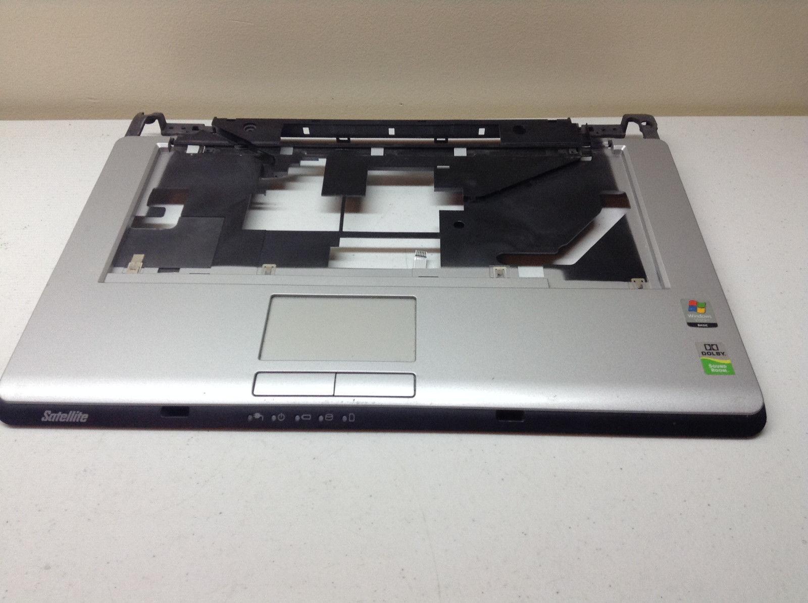 Toshiba Satellite A215-S7416 Palmrest - Touchpad V000101770