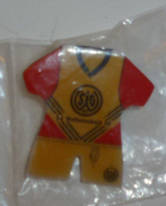 """SG WATTENSCHEID 09 soccer team jersey PIN 1.5"""", mint in package"""