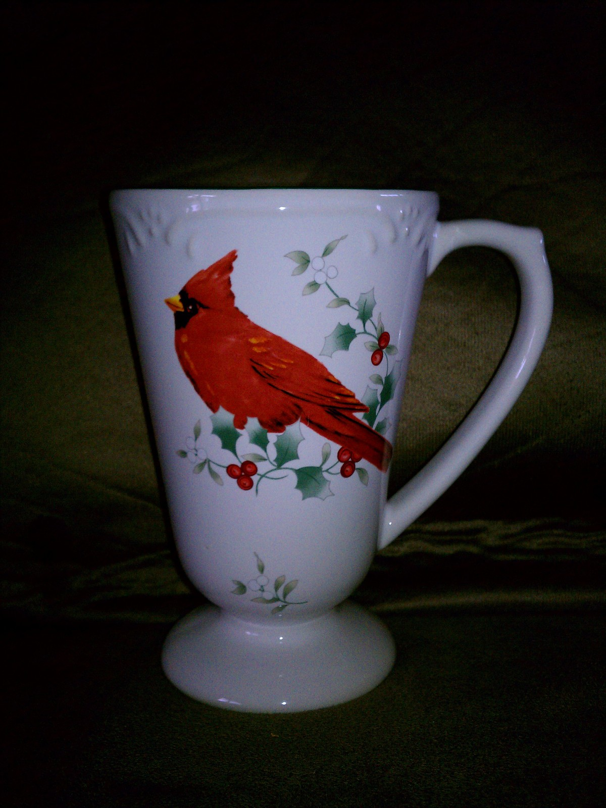 2 pfaltzgraff winterberry cardinal pedestal mug coffee for Coffee mug craft kit