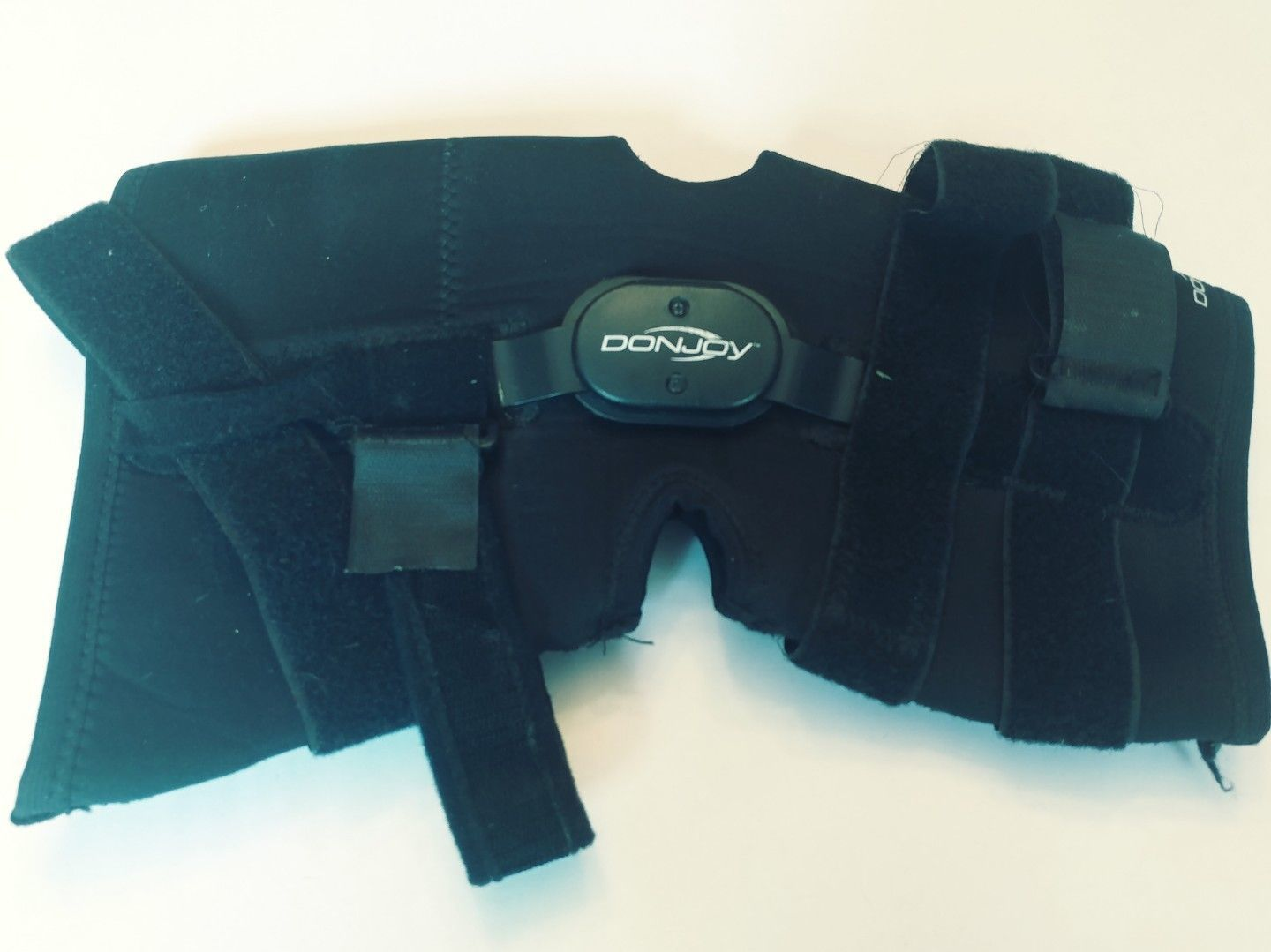 5af1158c43 Donjoy Deluxe Hinged Knee Brace Wrap Full and 50 similar items. S l1600