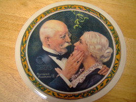 Knowles Norman Rockwell 1976 Golden Christmas Collector Plate - $34.65