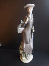 Lladro #5345 A New Hat Figurine - $163.35