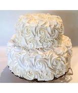 "Dezicakes Fake Cake Tier Rosette Wedding Cake 9"" x 7.25"" Ivory Beige Fak... - €39,82 EUR"
