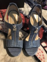 Slightly used Michael Kors Sandal Shoes Size 6.5 Original Price $145 - $50.00