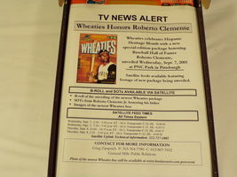Roberto Clemente RARE 2005 Wheaties Promotional Cereal Box w/ Media Kit Pirates image 4