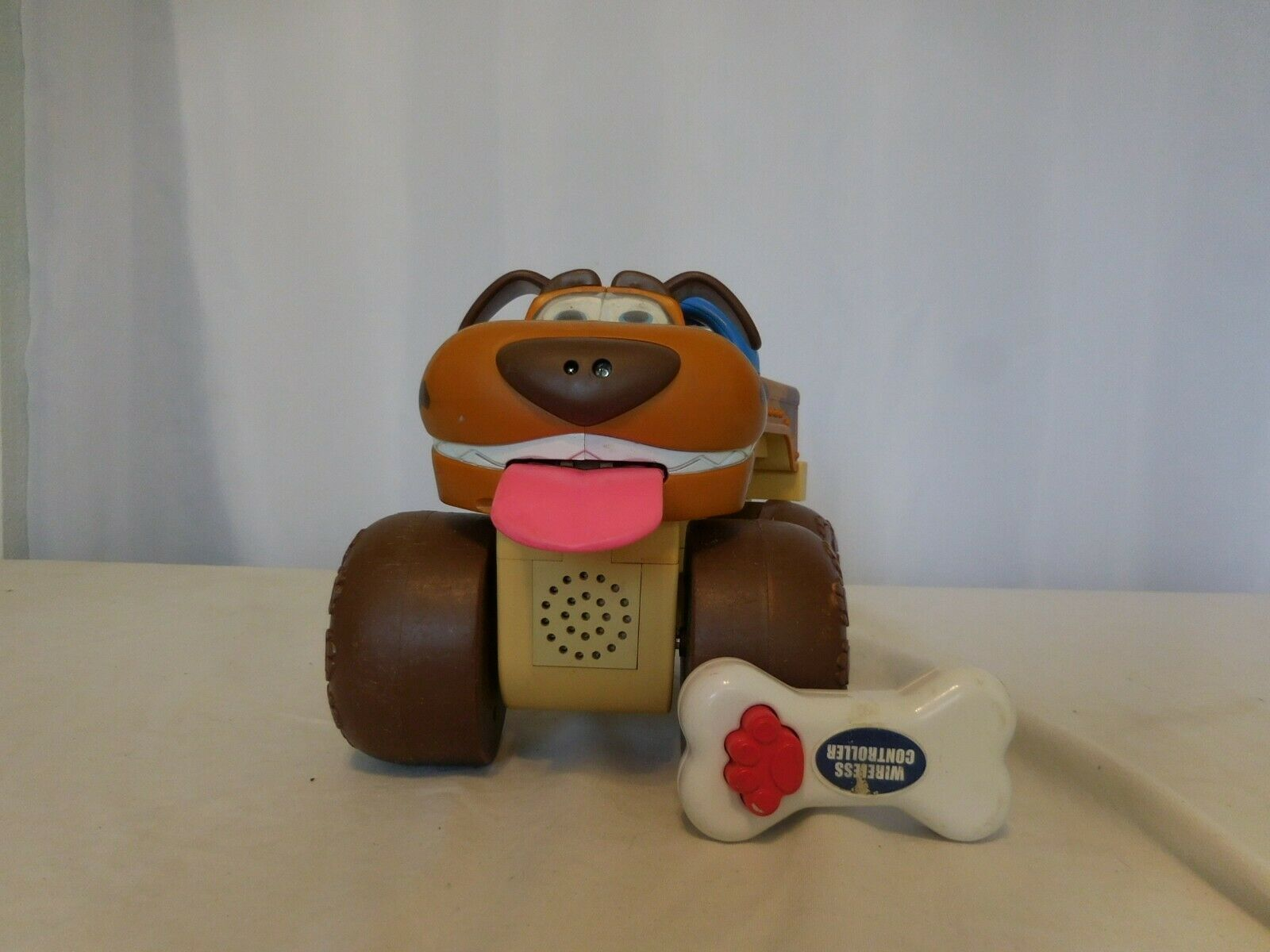 Primary image for Street Dogs Wireless Remote Control Talking Brown Truck  Jakks Pacific