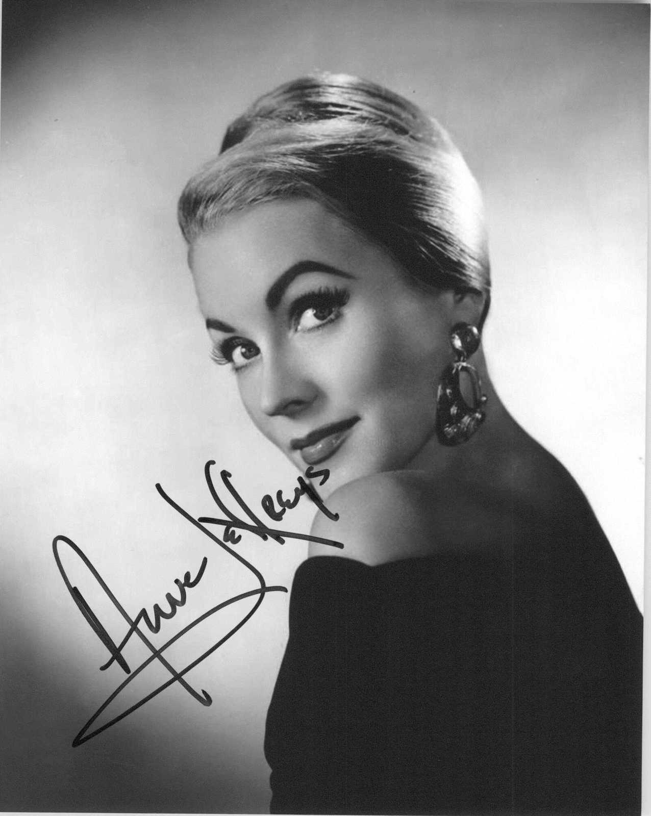 Anne Jeffreys (d. 2017) Signed Autographed Glossy 8x10 Photo - $29.99