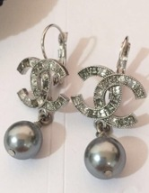 Authentic CHANEL 2015 CC Earrings Gradient Gray Crystals Pearl Drop Silver MINT