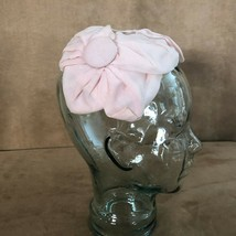 Pink bow & buttons Fascinator Vintage hat headband 1950s wedding - $32.50