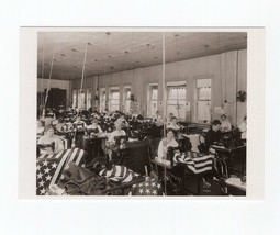 PICTURE POSTCARD-FLAG FACTORY: MAKING UNITED STATES FLAGS 1913 - $1.23
