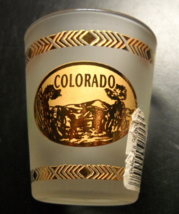 Colorado Garden Of The Gods Shot Glass Frosted Glass Gold Accents Brown ... - €6,00 EUR