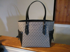 Authentic Michael Kors Voyager EW Tote Shoulder Bag Graphite Signature N... - $197.99
