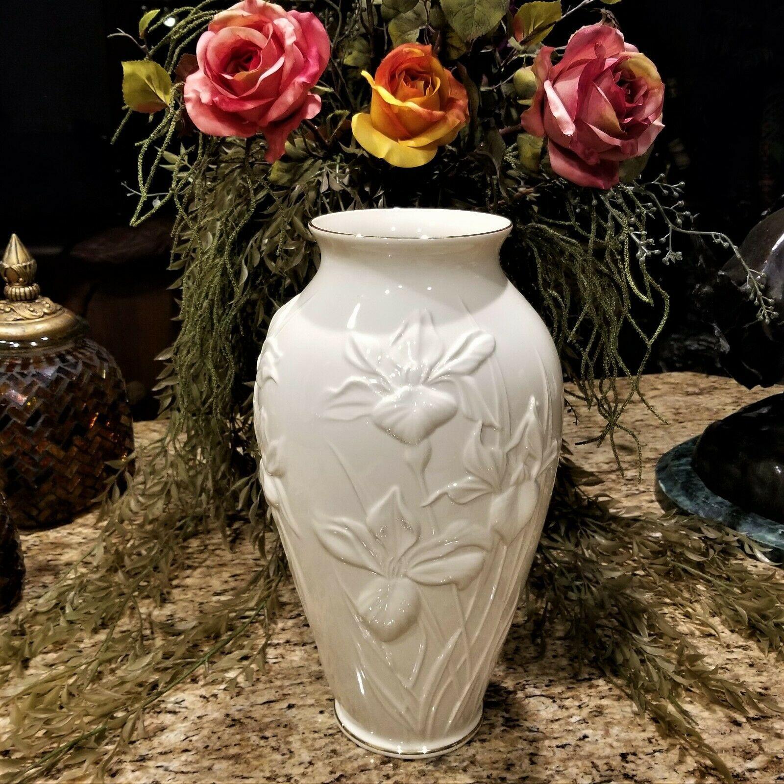 "Vintage LENOX 24K Accent Masterpiece Iris Embossed Porcelain Vase 15"" Tall"
