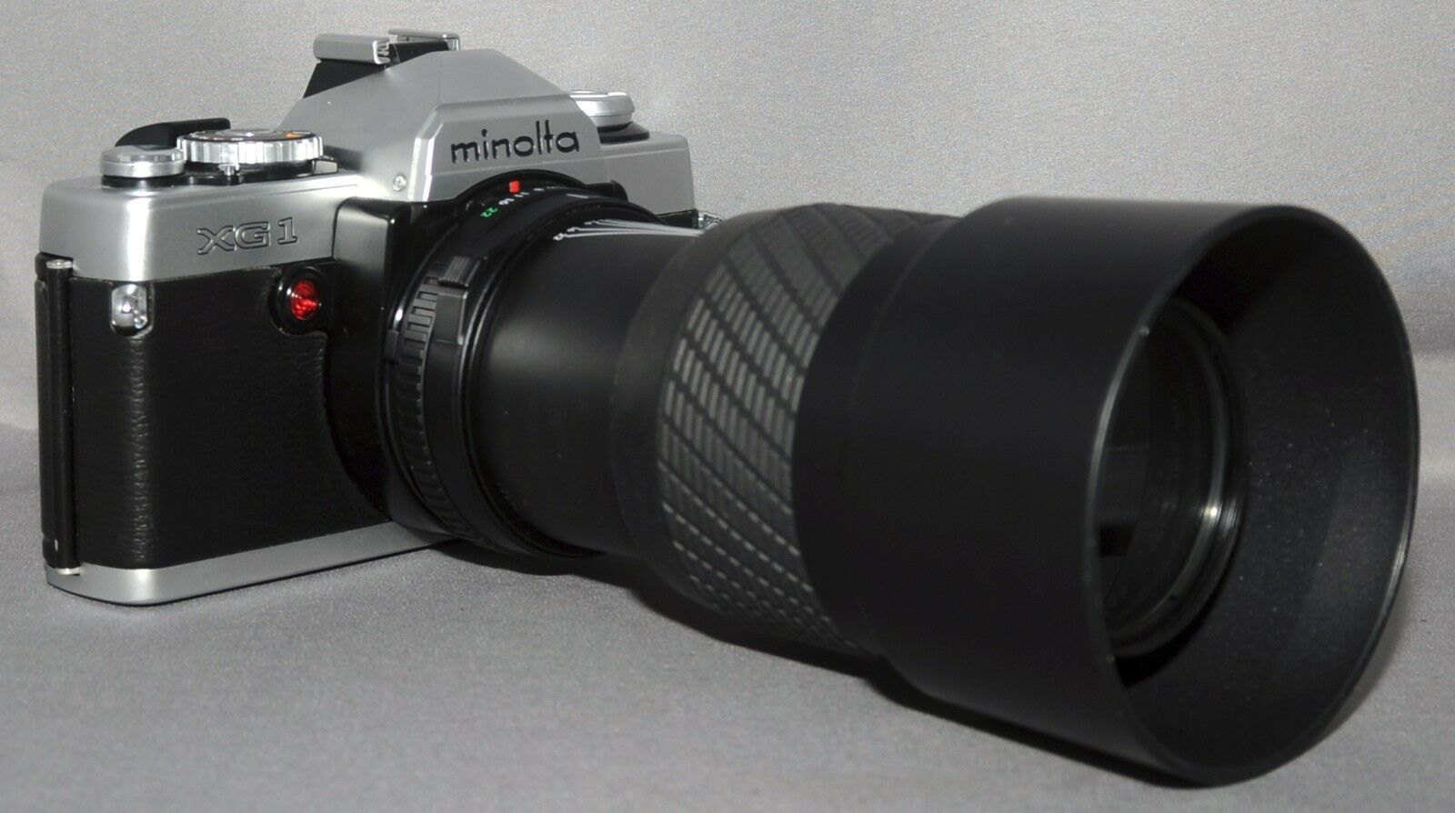MINOLTA XG1 35mm VINTAGE Film Camera SIGMA MC f/4 70-210mm Zoom Lens JAPAN