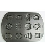 Wilton Halloween Cookie Tray Jello Candy Cake Mold Tray Excellent Condition - $18.48