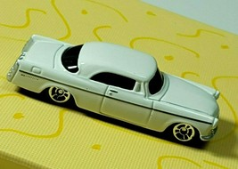Maisto 1956 Chrysler 300B 1:64 Scale white Car 819Lr-cb5 - $9.96
