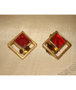 VINTAGE SQUARED AUSTRIAN CLIP-ON GOLD TONE EARRINGS RED STONE CENTER - $11.99