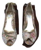 nine west multi peep toe Tapestry heels size 8 M womens shoes - $30.68
