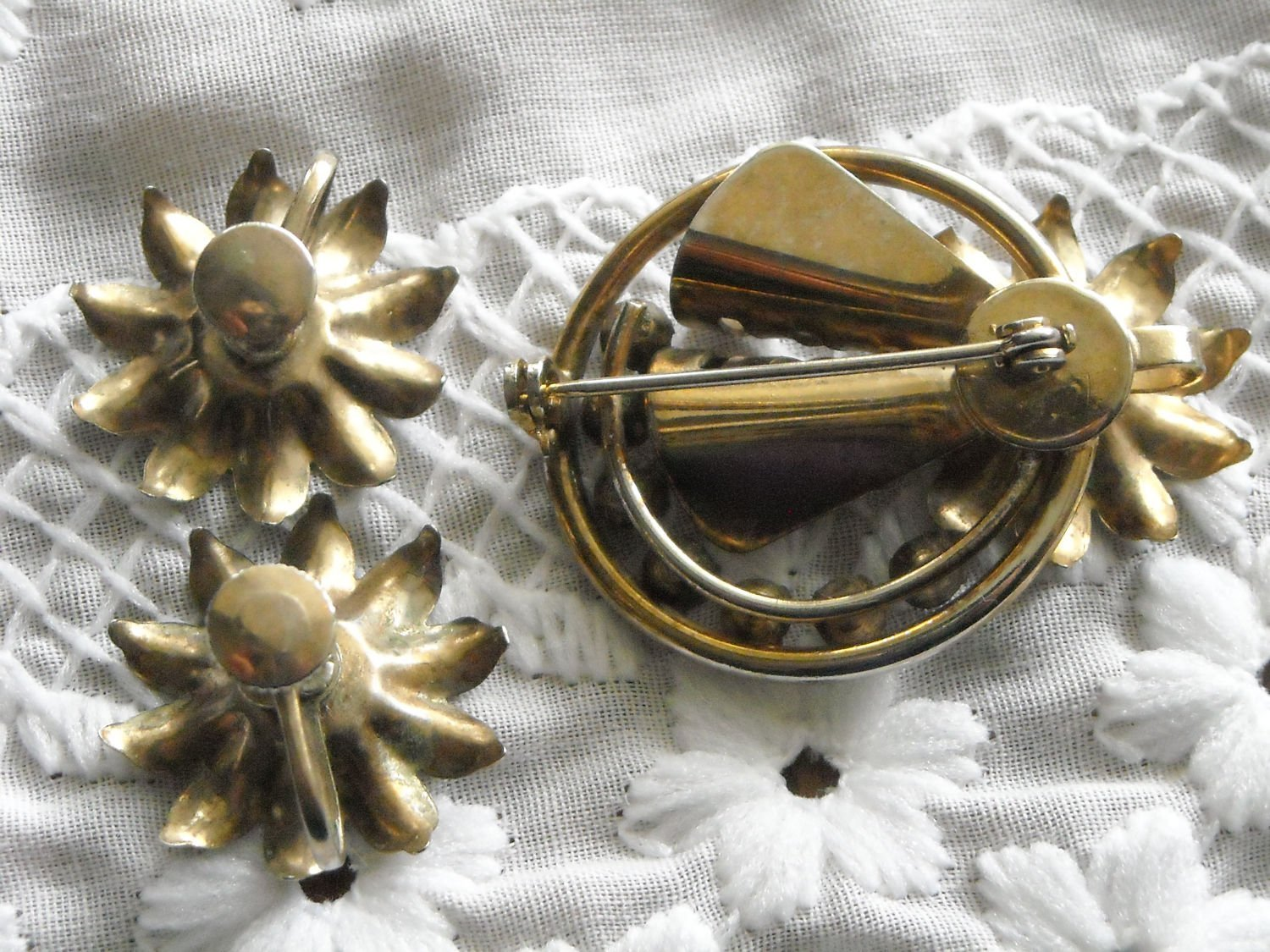 Vintage Gold Tone Flower Pendant Brooch & Matching Earrings Red & White Sets image 4