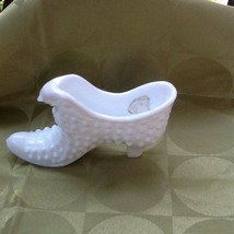 Vintage Fenton Solid White Glass Shoe With Cat Lion Head Figurine With Sticker - $18.00