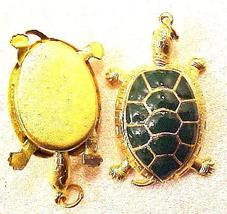 Turtle Pendant Green Wiggle Head Legs - $4.95
