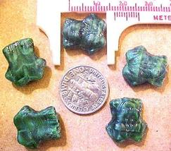 Frog 8 Malachite Glass Beads - $2.95