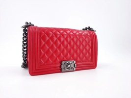 AUTHENTIC CHANEL RED LAMBSKIN QUILTED MEDIUM BOY FLAP BAG RHW