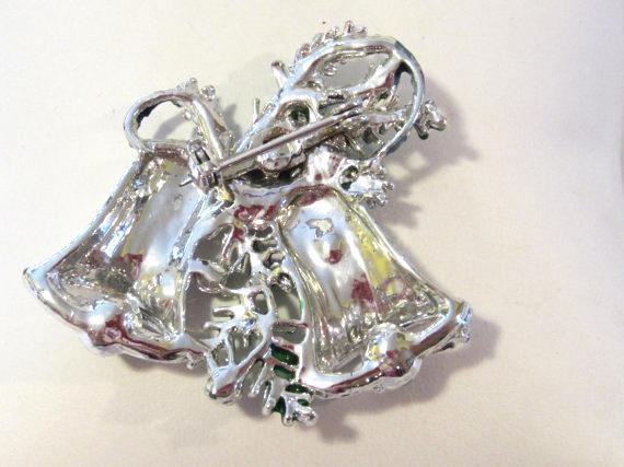 Vintage jewelry silvertone Christmas Bells brooch