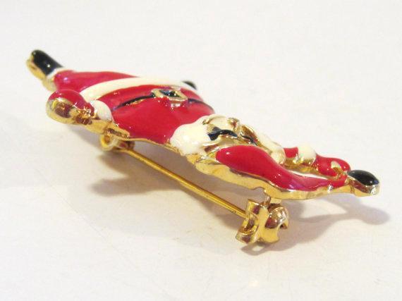 Vintage jewelry goldtone SANTA enamel brooch