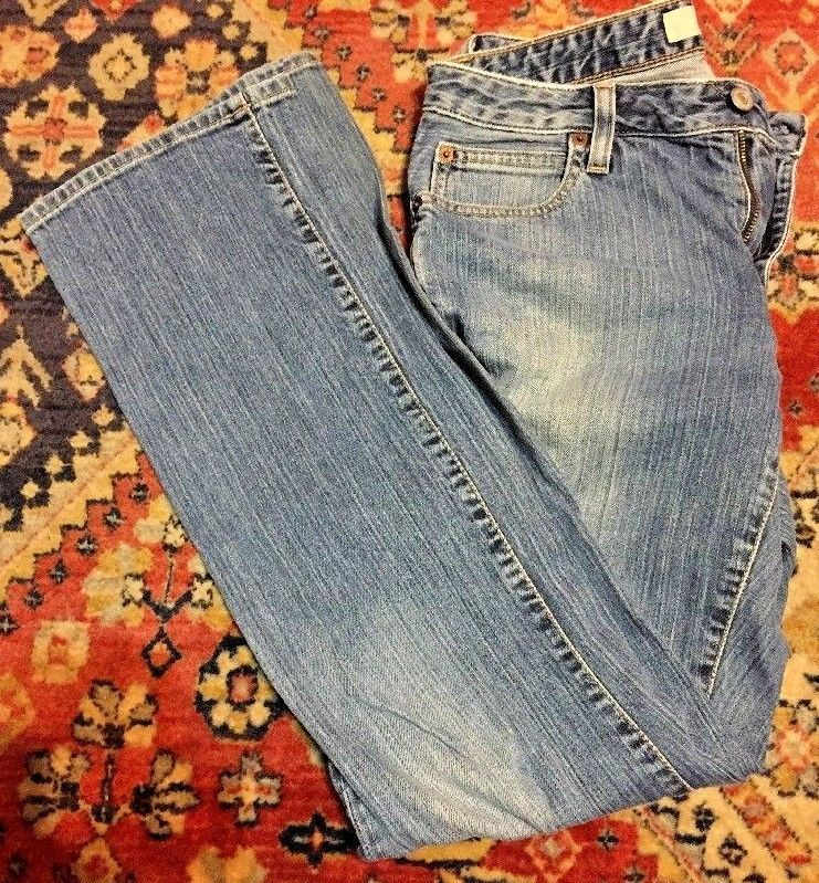 "Primary image for GAP Women's Stretch Bootcut Denim Jeans Size 6 With 30"" Inseam"