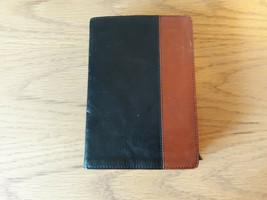 Holy Bible NLT TuTone Red Letter, LeatherLike, Black/Tan Tyndale 2013 - $25.00
