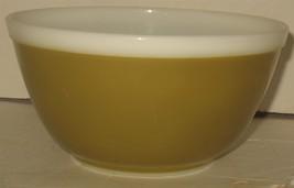 Vintage Pyrex 1.5 1 1/2 Quart 402 Glass Mixing Bowl Olive Green  - $28.71
