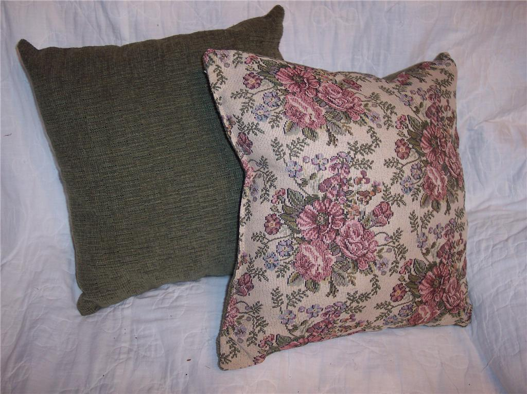 Primary image for Pair of Green Flower Print Pillows 15 x 15
