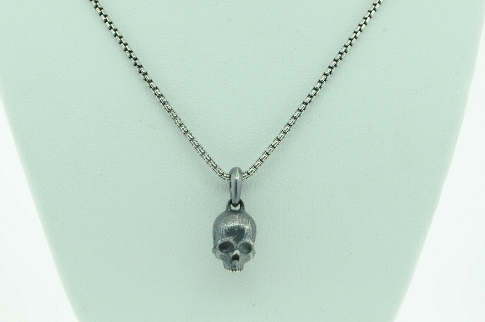 "DAVID YURMAN Sterling Silver Blackened Small Skull and Chain (22"")"