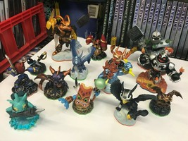 Lot Of 14 Skylanders Action Figures -MINT Condition - Fast Shipping! - $40.09
