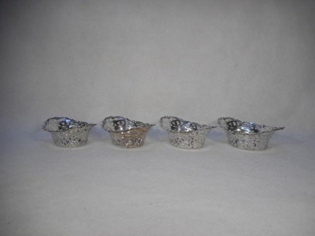 Vintage Quadruple Plate Silver Set of 4 Small Reticulated Nut Bon Bon Bowls